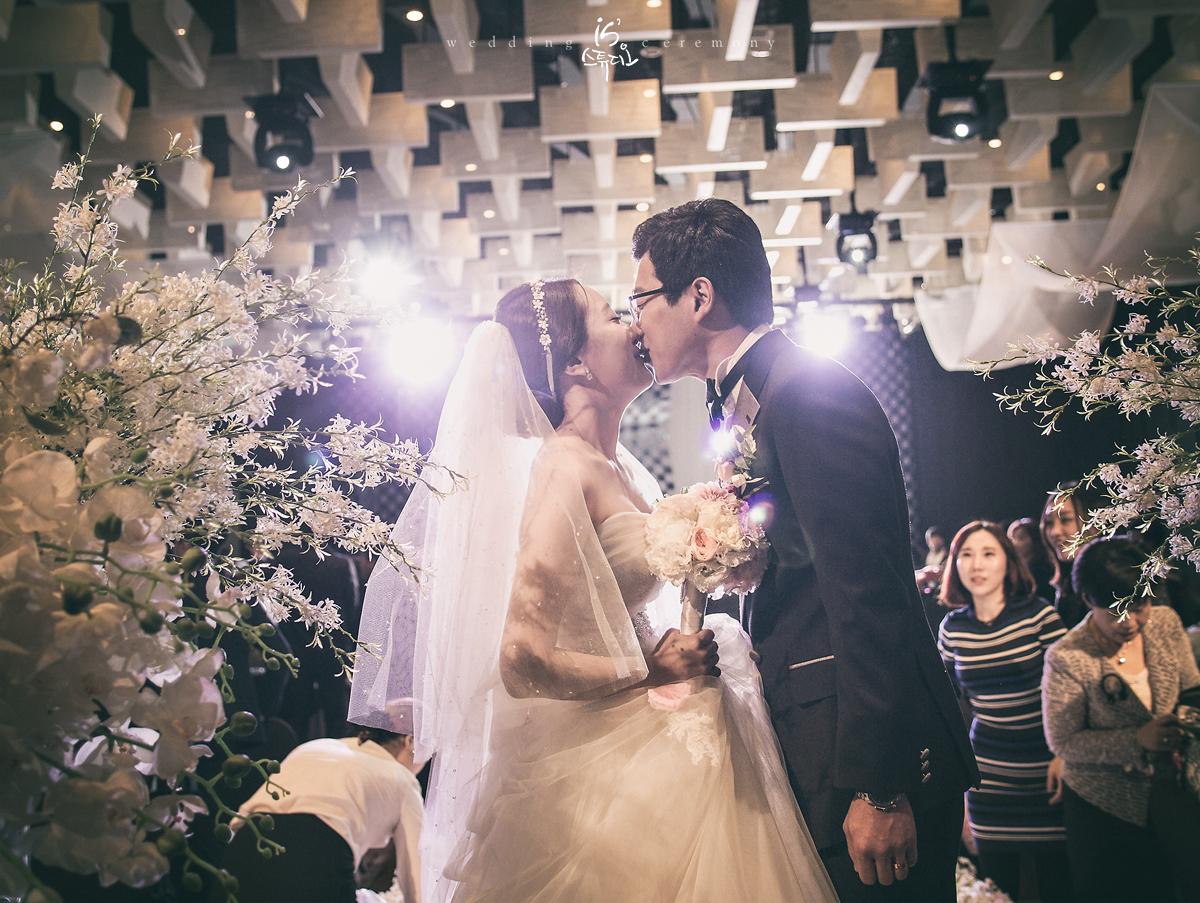 창원 리베라컨벤션에서 진행한 아름다운날 Wedding march